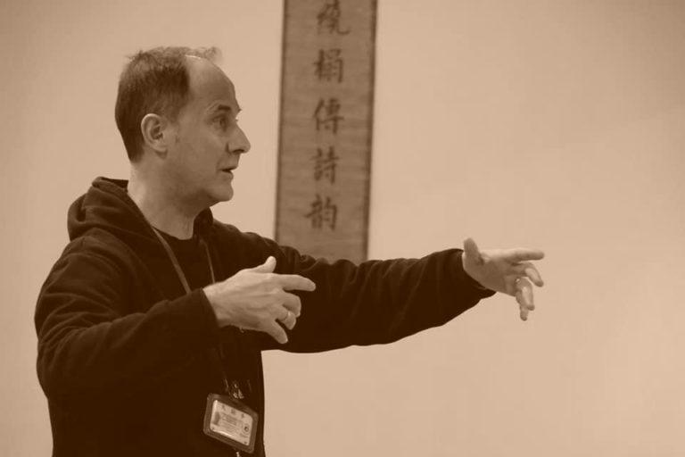 Francisco Sánchez en una clase presencial de TaiChi.
